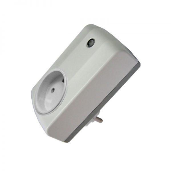 Z-wave pistikupesa adapter 230V max.400w
